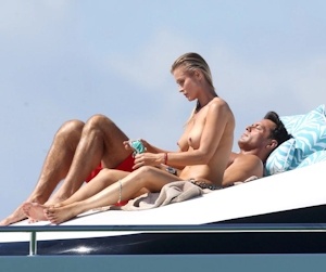 Joanna Krupa(ジョアンナ・クルパ) ビキニ&トップレス画像 9