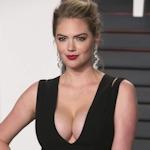 Kate Upton(ケイト・アプトン)がオスカーパーティーでセクシーな胸の谷間を披露