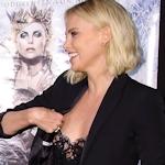Charlize Theron(シャーリーズ・セロン)がレッドカーペットで乳首露出