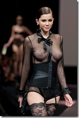 model-nipple-280315 (1)
