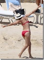 Maria-Sharapova-in-Red-Bikini-280329 (5)