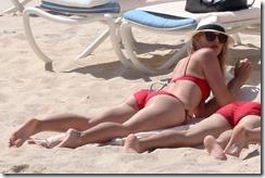 Maria-Sharapova-in-Red-Bikini-280329 (6)