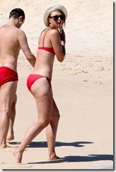Maria-Sharapova-in-Red-Bikini-280329 (7)