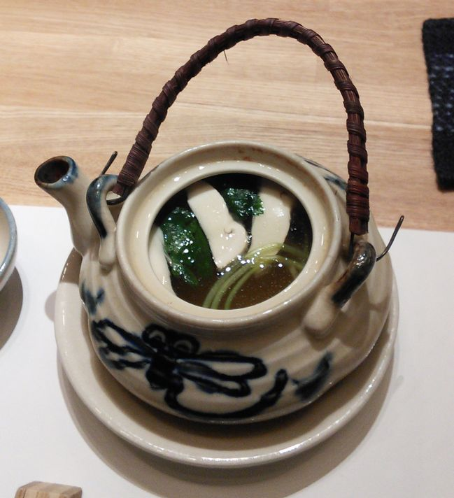 IMG_20151102_182908松茸の土瓶蒸し