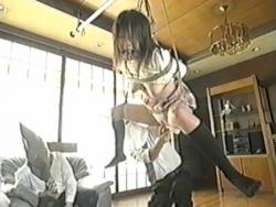 女の子を拘して、玩具で責める - エロ動画 アダルト動画(1)