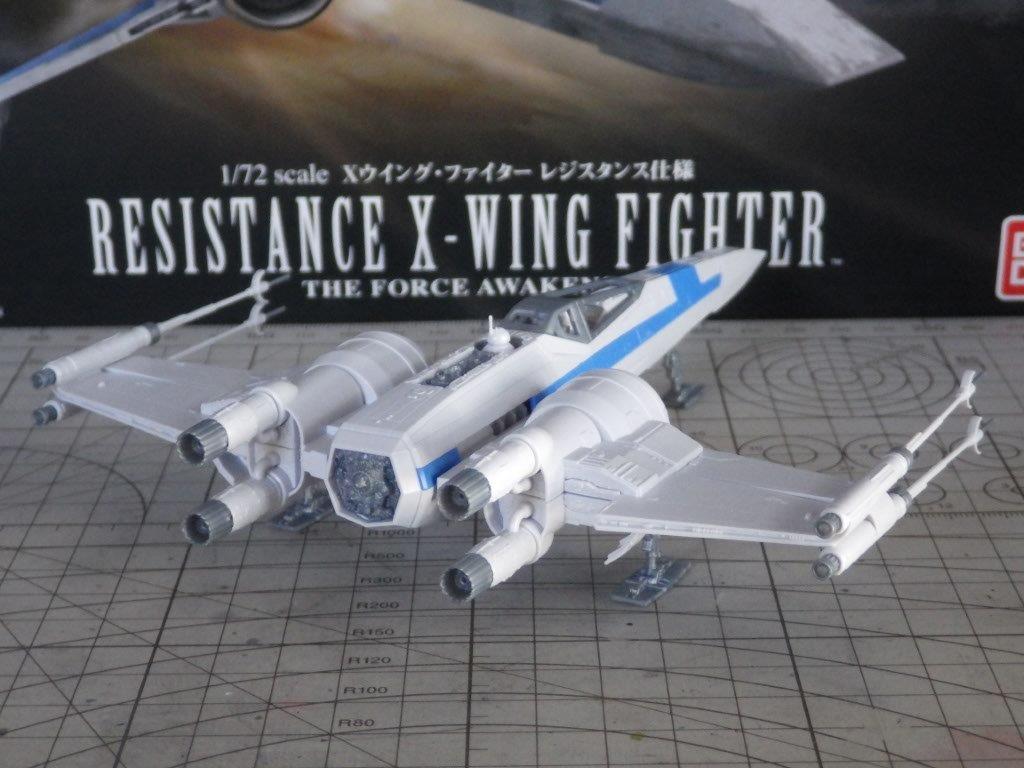 「スターウォーズ フォースの覚醒」に登場する「Xウイング・ファイター レジスタンス