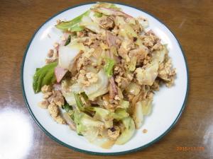 キャベツとツナと卵の炒め物