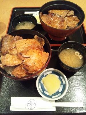 帯広名物ぶた丼 (300x400)