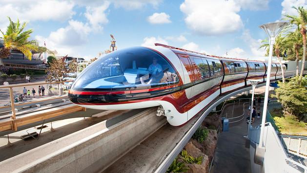 disneyland-monorail-00.jpg