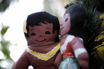ハワイの人形