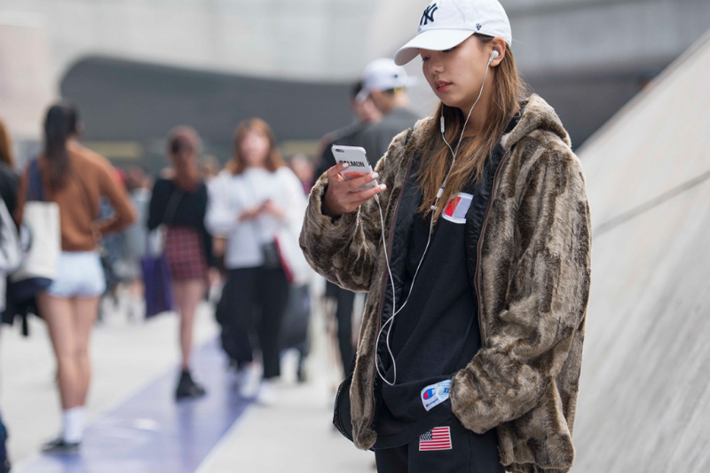 streetsnaps-seoul-fashion-week-october-02-part-3-02.jpg