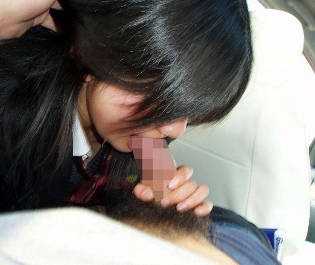 女子高生のフェラチオ画像 24