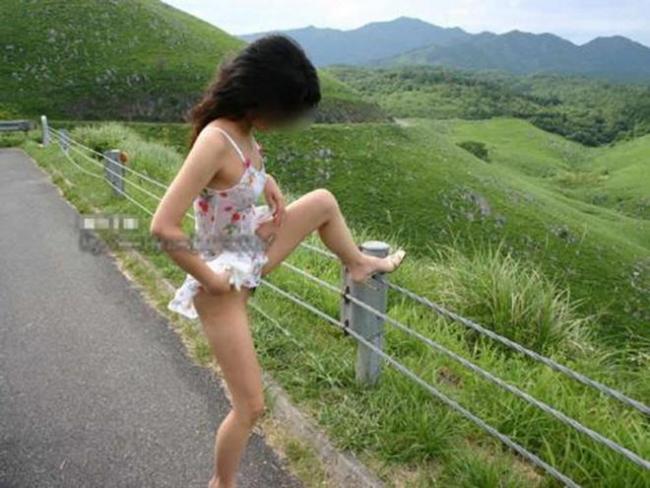 野外放尿画像 31