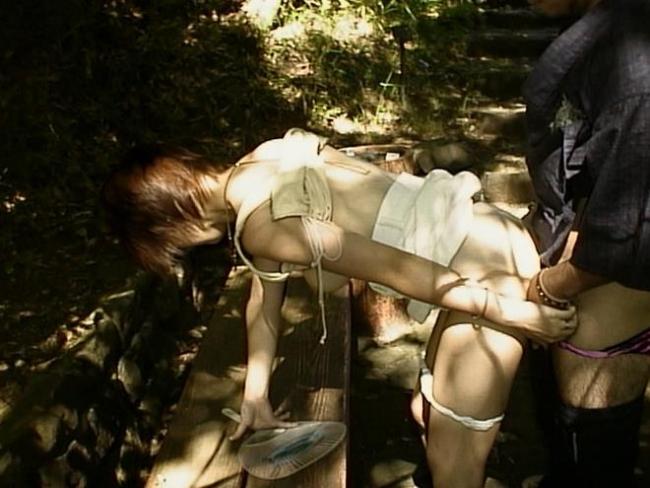 野外セックス画像 14
