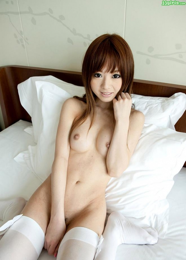 裸に靴下画像 13