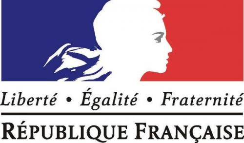 フランスの女神は右目=太陽を見せるマリアンヌ