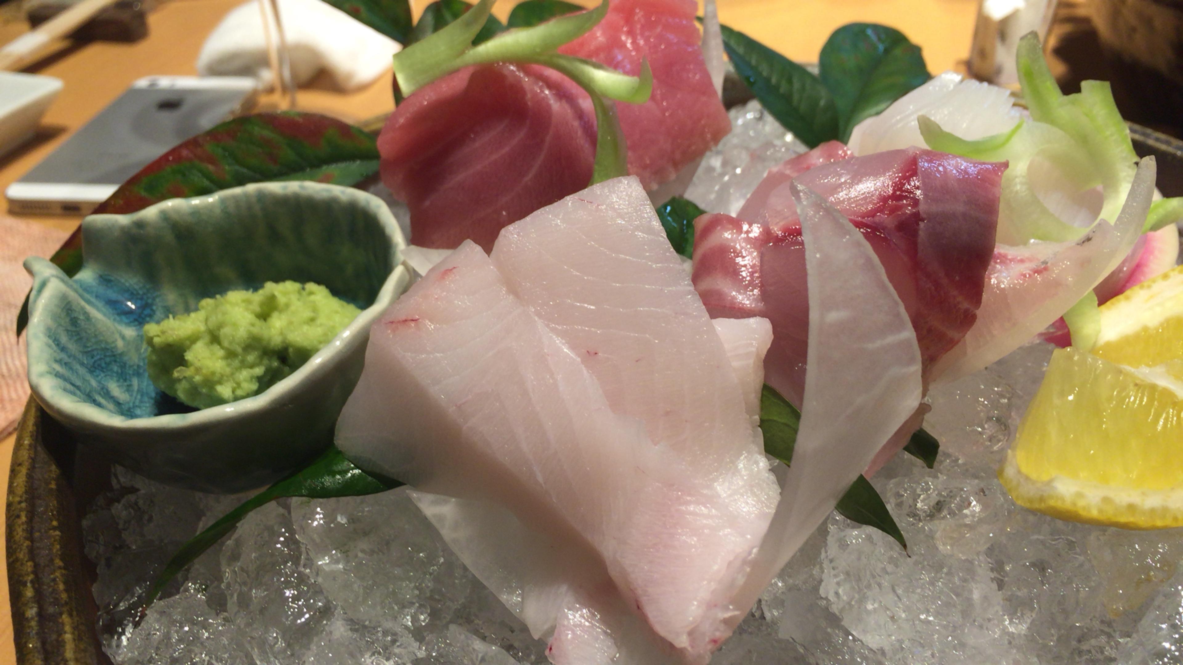 大阪ミナミの宗衛門町にある小料理・割烹『旬草hide』お造り盛り合わせ