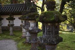 西明寺の石灯篭