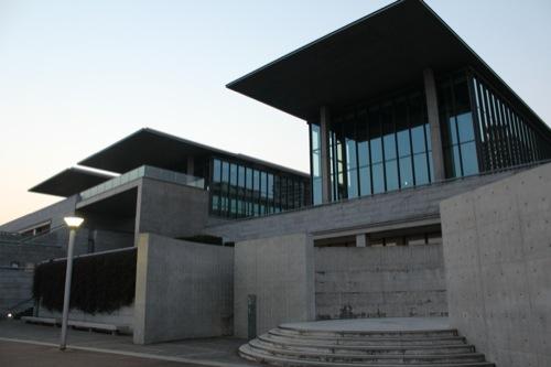 0003:兵庫県立美術館 南側