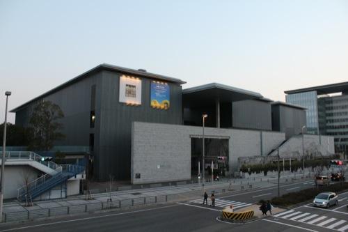 0003:兵庫県立美術館 北側