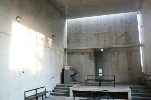 0011:六甲の教会「風の教会」 内観②