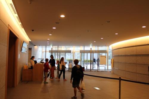0144:国立広島原爆死没者追悼平和祈念館 入口カウンター