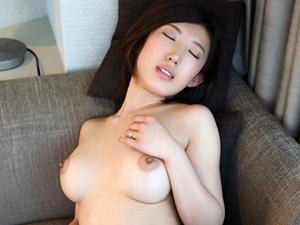 【瑞樹ララ】浮気の腹いせにAV出演を決意した仙台の巨乳女社長