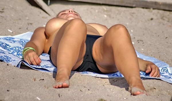 ヌーディストビーチ2