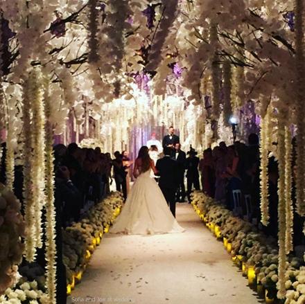 vergara-joe-wedding-isle.jpg