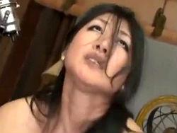 【藤沢芳恵x五十路】豊満熟女の白目を剥いた強烈なアヘ顔!