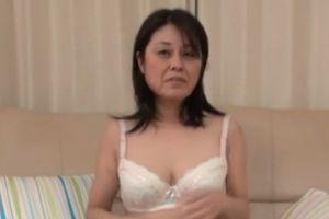 【無修正】50代奥様が魅せる熟練の性テクニック無料おまんこ動画