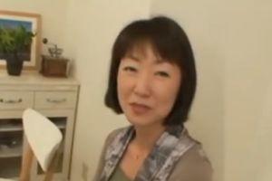 【無修正】40代淑やかな熟女はセックスに飢えて乱れまくる無料アダルト動画