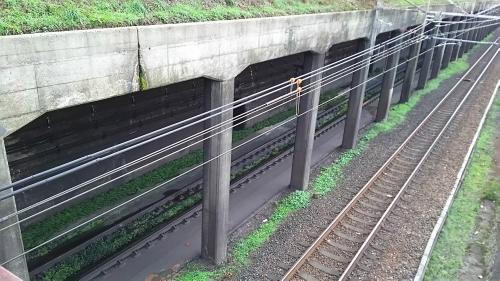 東山の人道跨線橋7