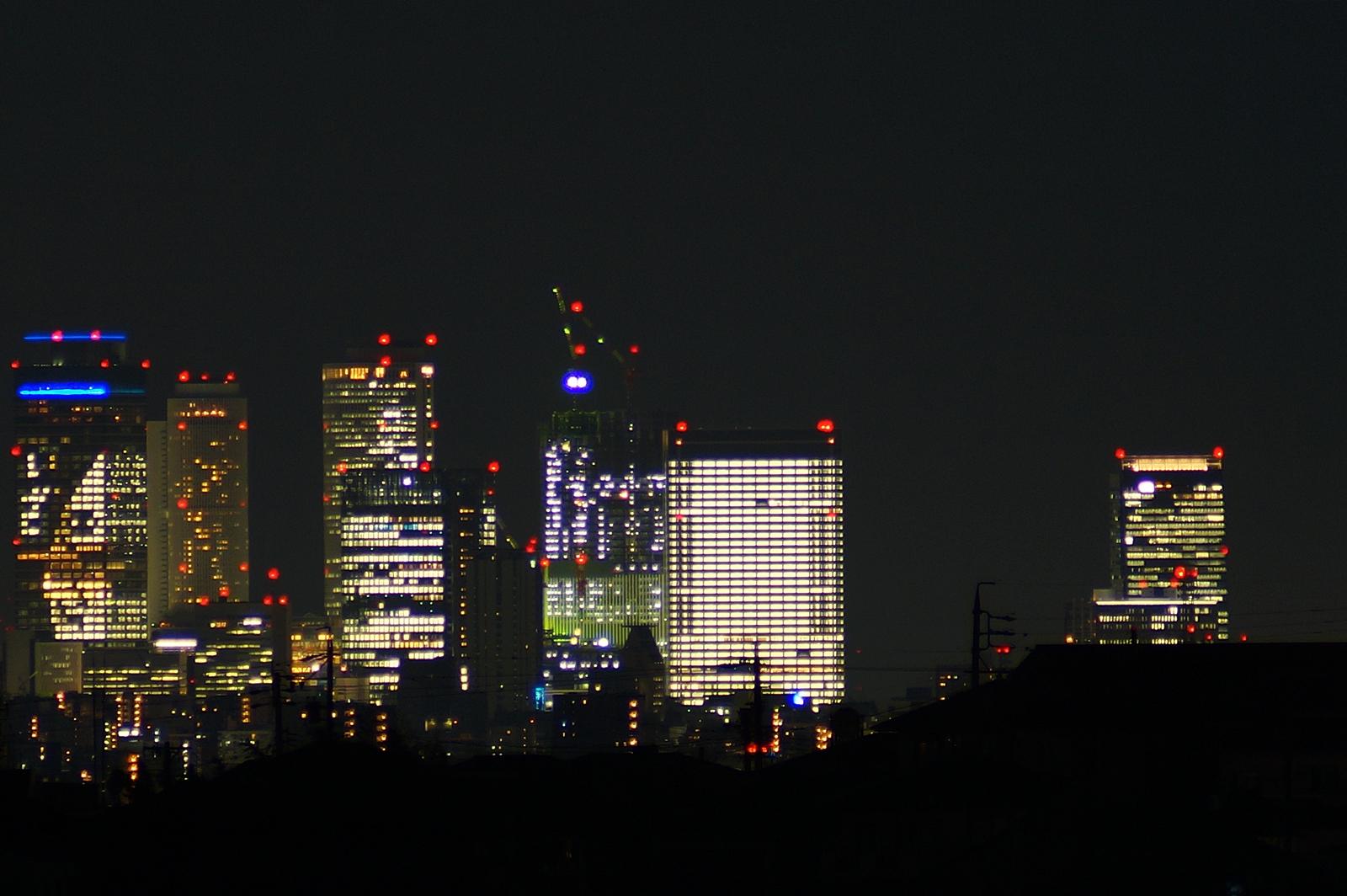 超高層ビルと風景写真のきりぼう