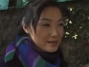 中国人みたいな顔の50歳熟女のアダルトビデオ