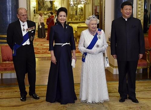 Queen-Elizabeth-xi-jinping.jpg