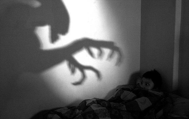 怖い夢 ホラー 悪夢 sleep